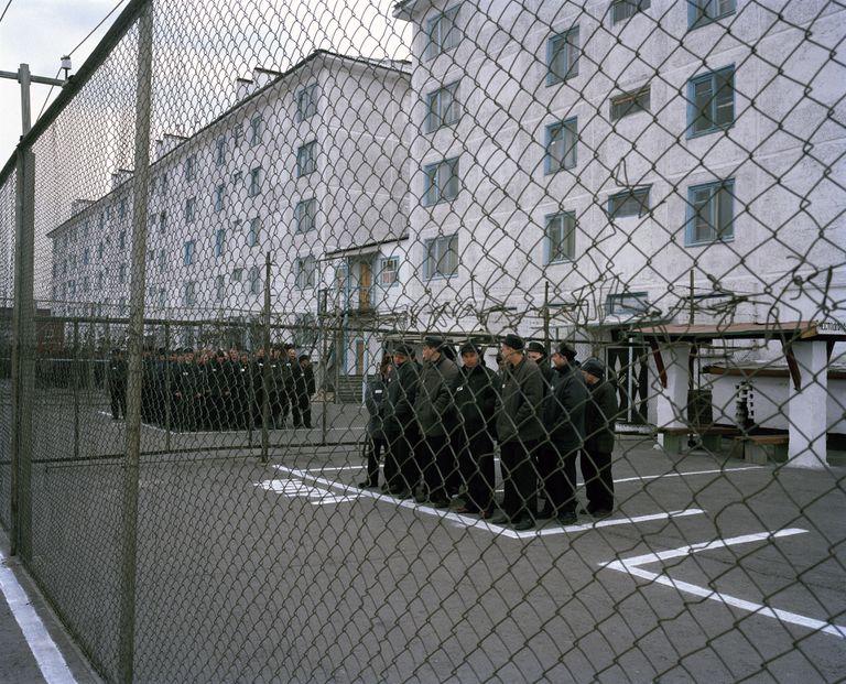 Grupos de prisioneros en un antiguo gulag en la región de Krasnoiarsk, en Siberia (Rusia).