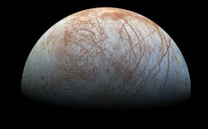Zdjęcie Europy, księżyca Jowisza, wykonane przez sondę Galileo w latach 90. XX wieku.
