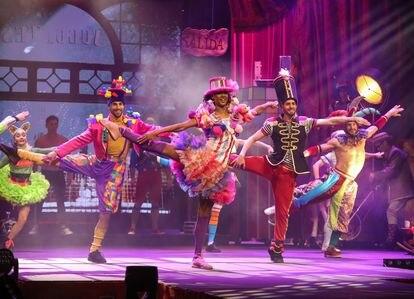 Varios aristas actúan durante la presentación del espectáculo Circo Price en Navidad, en el Teatro Circo Price, Madrid (España), a 25 de noviembre de 2020.