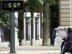 Una calle de Sevilla el 1 de agosto de 2003. El termómetro marca 56 grados