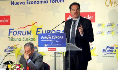 Carlos Iturgaiz, durante su intervención en el Forum Europa Tribuna Euskadi.