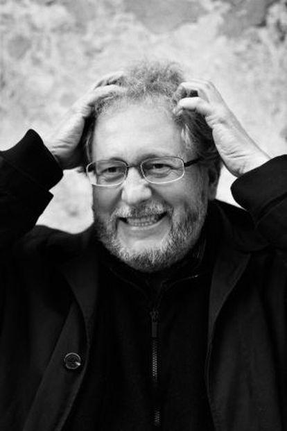 El escritor colombiano Héctor Abad.
