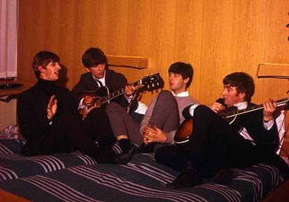 El ritmo frenético que vivieron The Beatles durante años pudo ser una de las causas de la ruptura de la banda. Este documental intenta descifrar los motivos del distanciamiento de los cuatro de Liverpool.