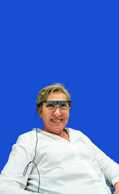 Científicos españoles logran que una mujer ciega reconozca formas y letras con un implante en el cerebro.