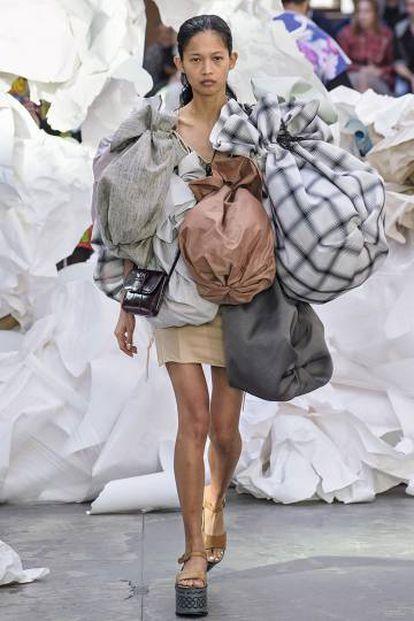 Vivienne Westwood fue una de las primeras diseñadoras en rechazar el uso de pieles en 2007. Gucci lo hizo 10 años después.