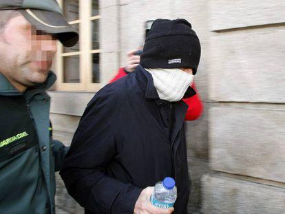 El gurú de la secta, Miguel Rosendo, cuando fue detenido.