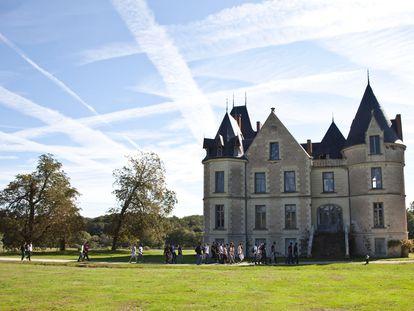 El castillo del Domaine de Boisbuchet es el escenario de un campamento de verano inusual, donde diseñadores y arquitectos contemporáneos se reunen para dar rienda suelta a su creatividad.
