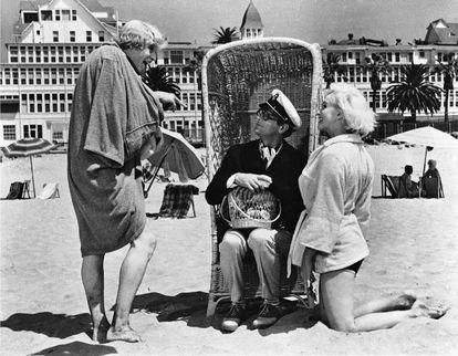 El trío protagonista, en el rodaje en el hotel Del Coronado.