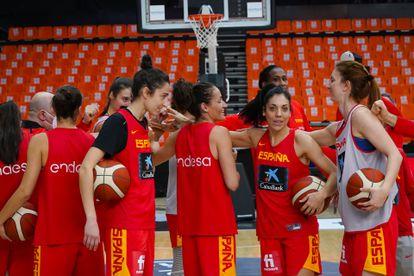 Las jugadoras de la selección española, durante la concentración en La Fonteta en noviembre. feb