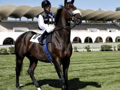El jockey Jaime Gelabert en el Hipódromo de la Zarzuela.
