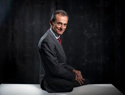El ministro de Ciencia, Pedro Duque, fotografiado este viernes tras la entrevista.