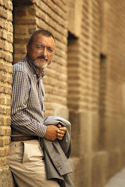 Arturo Pérez-Reverte, en el Barrio de las Letras de Madrid.