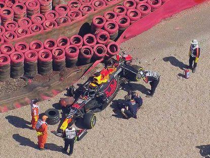 El Red Bull de Verstappen tras el accidente con Hamilton.