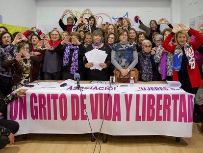 Lectura del manifiesto feminista en Valencia.