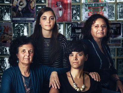 Justa Montero,  Carlota Álvarez, Jimena Cazzaniga y Morena Herrera.