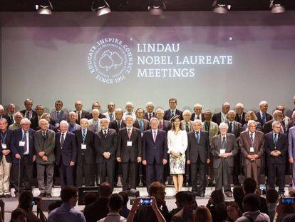 Reunión de premios Nobel en Lindau (Suiza) en 2015, con una condesa en primera fila.