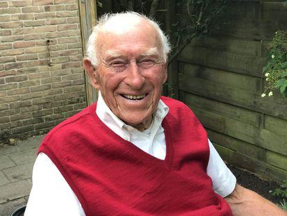 Frits Brockhus, de 102 años, en su casa de Zandvoort (Países Bajos), el pasado 11 de julio.