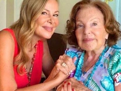 Ana Obregón junto a su madre, en una imagen del Instagram de la actriz.