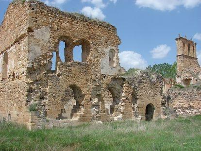 Restos del convento de Santa María de Óvila, en Trillo (Guadalaraja).