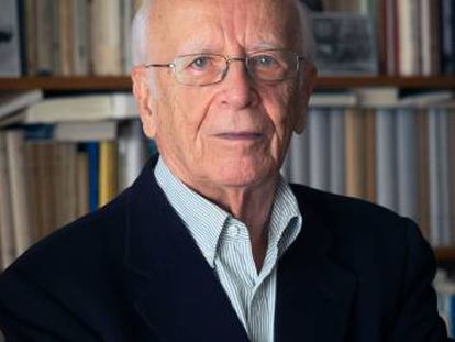 Emilio Lledó, en la portada del libro de Cipriano Játiva.