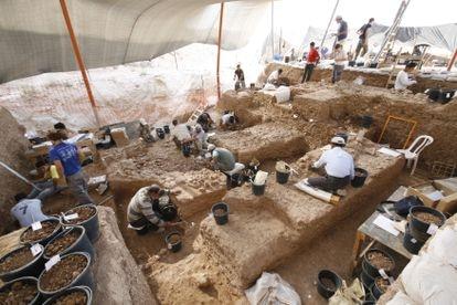 Excavaciones en el yacimiento de Nesher Ramla