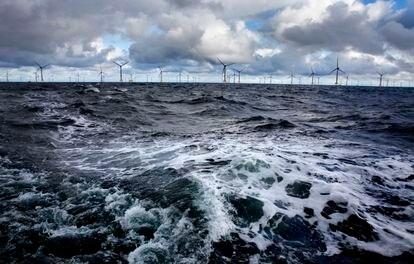 Parque eólico marino en Wikinger, Alemania.