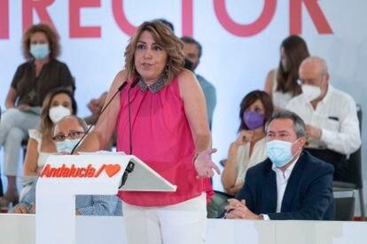 Susana Díaz, con Juan Espadas tras ella, en el comité director extraordinario del PSOE andaluz.
