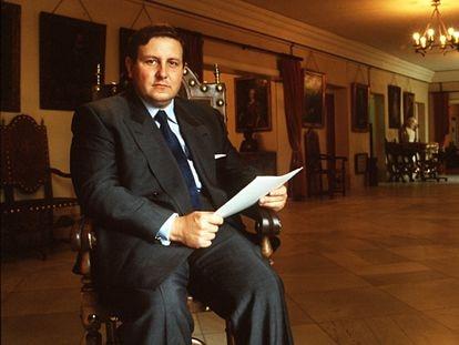 Gustavo Villapalos, Consejero de Educación de la Comunidad de Madrid, en 1996.