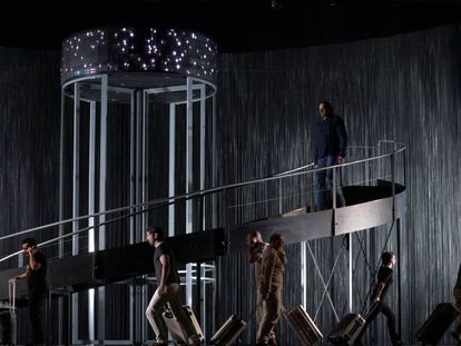 Un ensayo de Policías y ladrones en el Teatro de la Zarzuela.