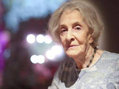 El galardón distingue la obra de la poeta y traductora uruguaya de 94 años, autora de  La luz de esta memoria  y  Procura de lo imposible