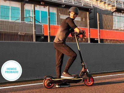 Ponemos a prueba los mejores patinetes eléctricos para movernos por ciudad de marcas como Xiaomi, Cecotec o SmartGyro.