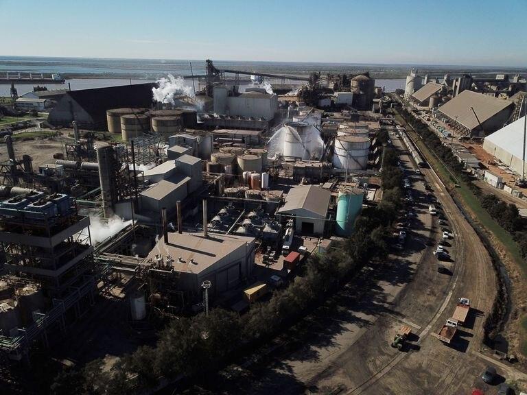 La planta del Grupo Vicentin en el puerto de Rosario, en provincia argentina de Santa Fe.