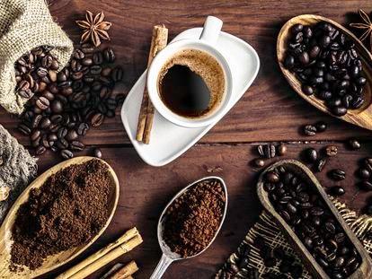 Café: mejor a las 10 y otros secretos del elixir que nos mantiene despiertos