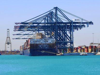 El portacontenedores MSC Le Havre, que ha llegado este martes al Puerto de Valencia procedente del canal de Suez.