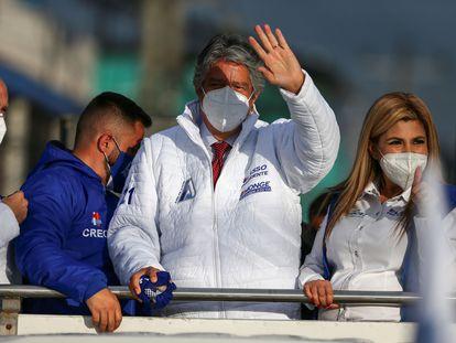 El candidato conservador, Guillermo Lasso, en la recta final de la campaña de las elecciones presidenciales de Ecuador.