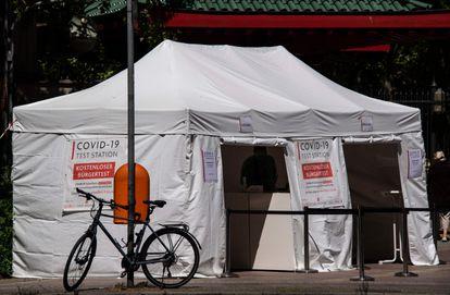 Una tienda en la que se hacen test de coronavirus gratuitos en Berlín.