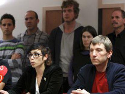 Lorea Bilbao y Rufi Etxeberria, durante la rueda de prensa de ayer, en San Sebastián.