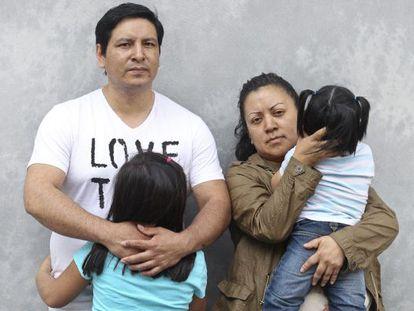 Carlos y Verónica, pareja de ecuatorianos que están a punto de ser desahuciados.