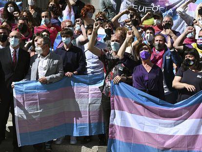 Concentración por los derechos del colectivo transexual frente al Congreso, el pasado 18 de mayo.