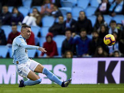 Iago Aspas, en el momento de marcar contra el Eibar.