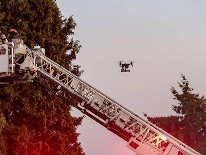 Drones, robots y 'big data': tecnología punta contra los incendios forestales
