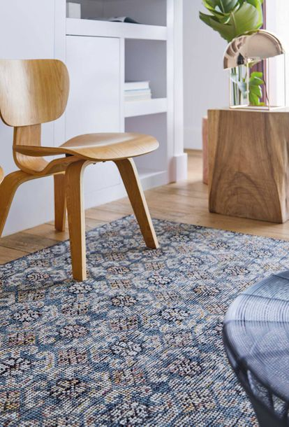 La alfombra Hidraulic recupera el color azul Egeo.