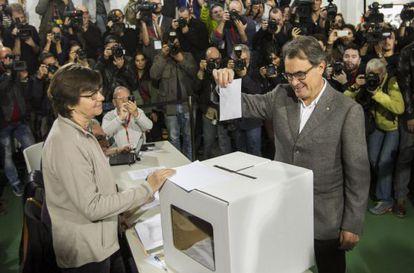 Artur Mas votando en la consulta del 9-N.
