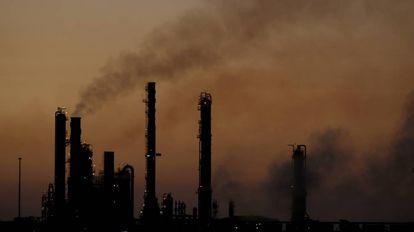 Vista de la refinería de Pemex en Cadereyta (Nuevo León, México).