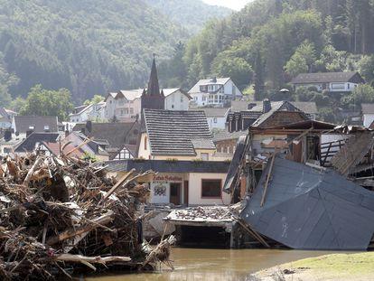 Una casa destrozada por las inundaciones en Rech, Alemania.