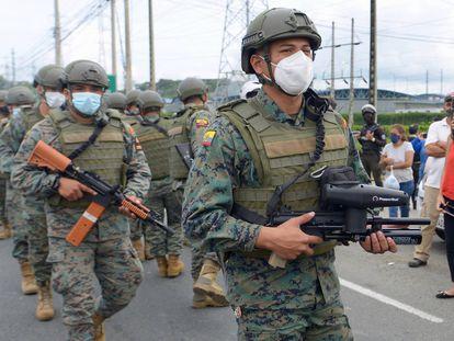 Los motines en las cárceles de Ecuador dejan decenas de muertos, en imágenes