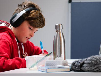 El curriculum bimodal divide en tres partes la memoria del alumno.