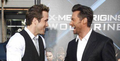 Los actores Ryan Reynolds y, a la derecha, Hugh Jackman.