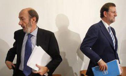 Rubalcaba y Rajoy, en un encuentro celebrado en 2010.