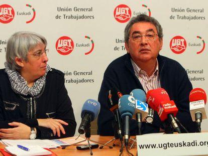 Ferrer, junto a la secretaria de Acción Sindical de UGT Euskadi, Maribel Ballesteros.